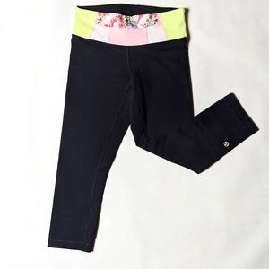 Lululemon reversible black and floral print capri